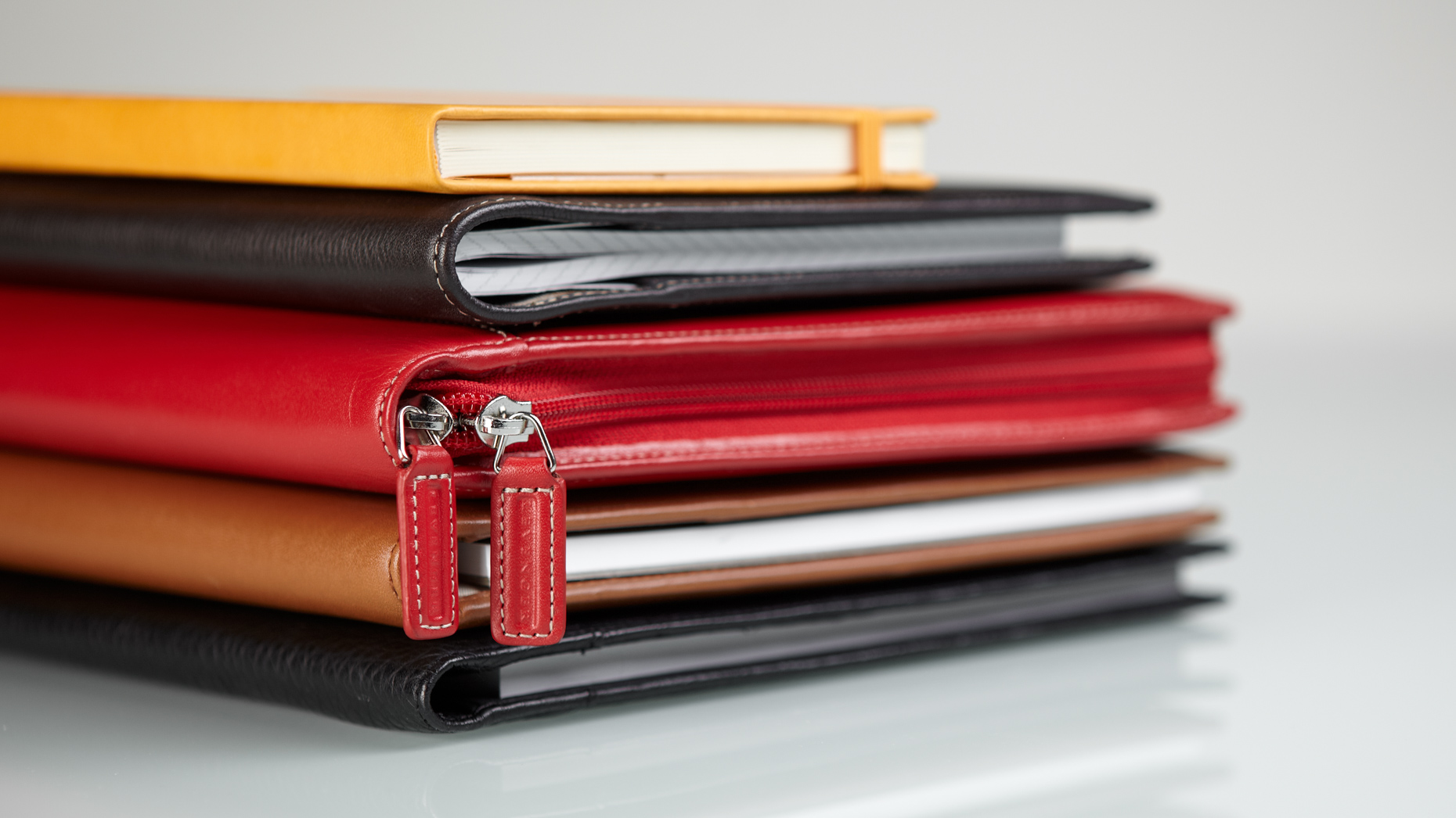 Michael Cushman Product Photography Levenger_Leather Portfolio Stack