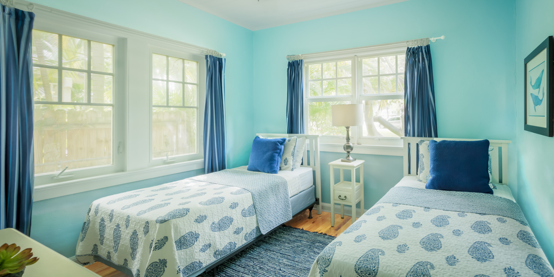 Michael Cushman Photography & Motion Bedroom_Flamingo_ Gardens_Blue